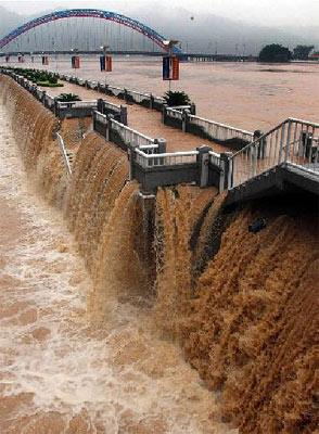 Wuzhou-22-06-2005